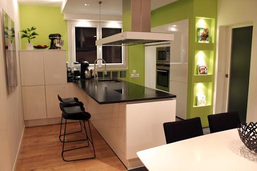 Una bonita casa de los a os 70 renovada en un estilo contempor neo dise o interior 3d for Casa deco maison